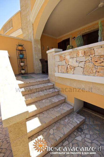 Scale veranda rialzata casa Pescoluse 5