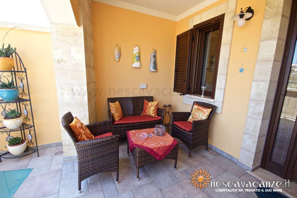 Salottino veranda rialzata casa Pescoluse 5