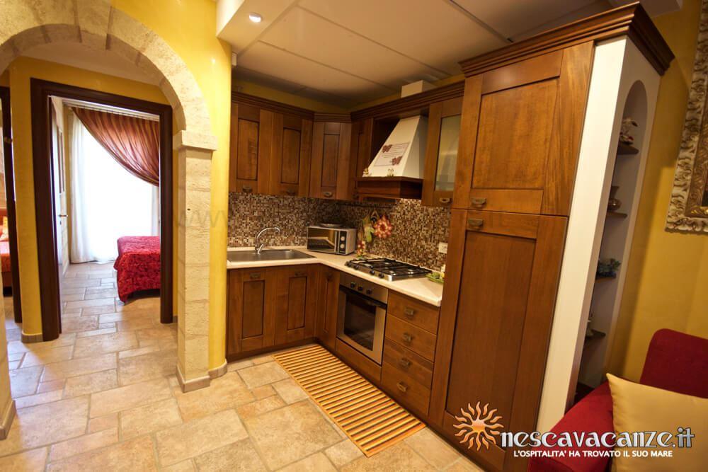 Cucina attrezzata casa Pescoluse 5