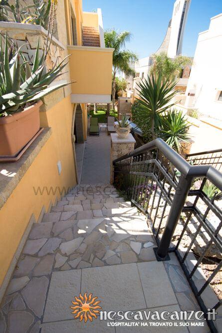 Scala d'ingresso casa Pescoluse 6