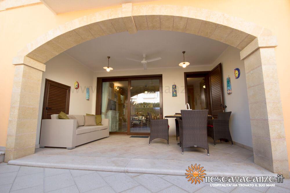 Veranda attrezzata casa Pescoluse 6
