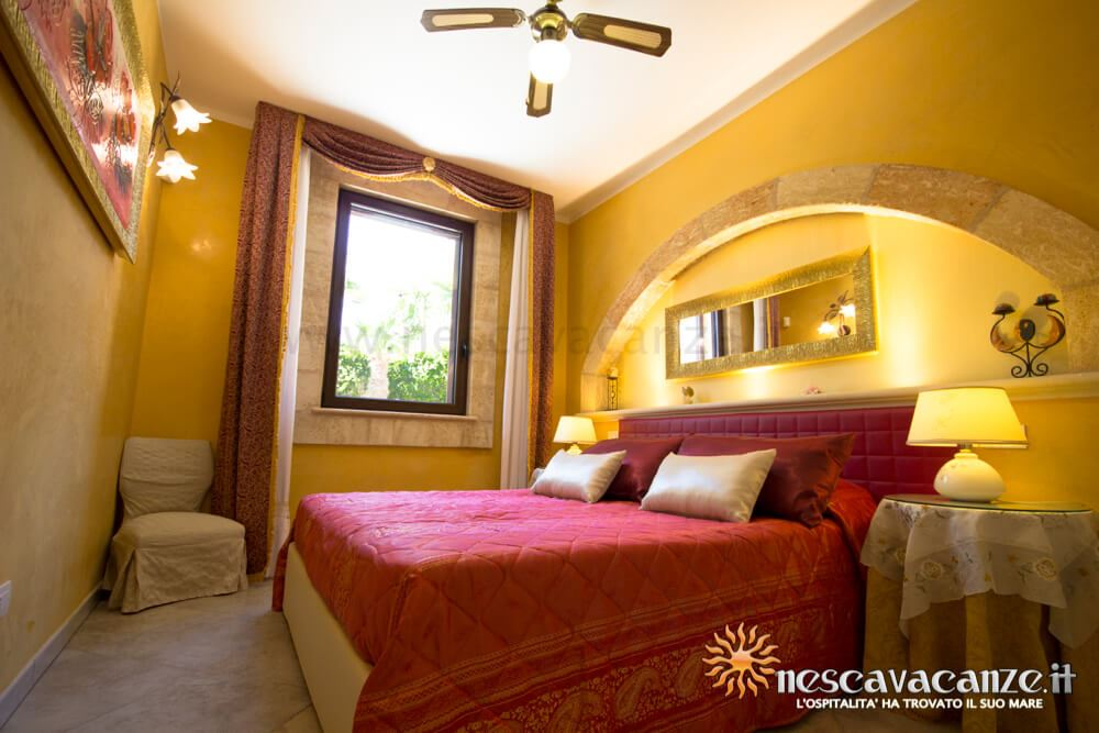 Camera matrimoniale casa Pescoluse 7