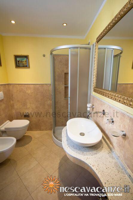 Bagno casa Pescoluse 8