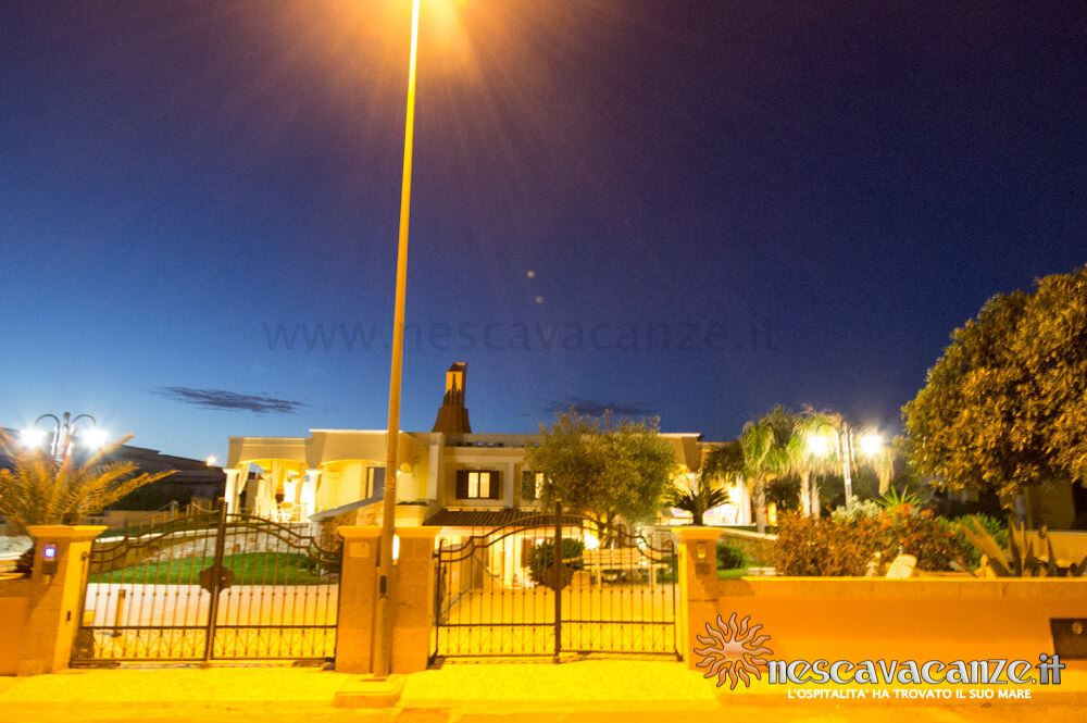 Palazzina di notte casa Pescoluse 8