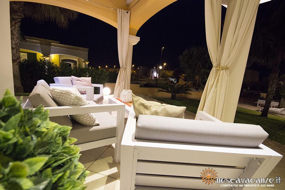 Veranda attrezzata di notte casa Pescoluse 8