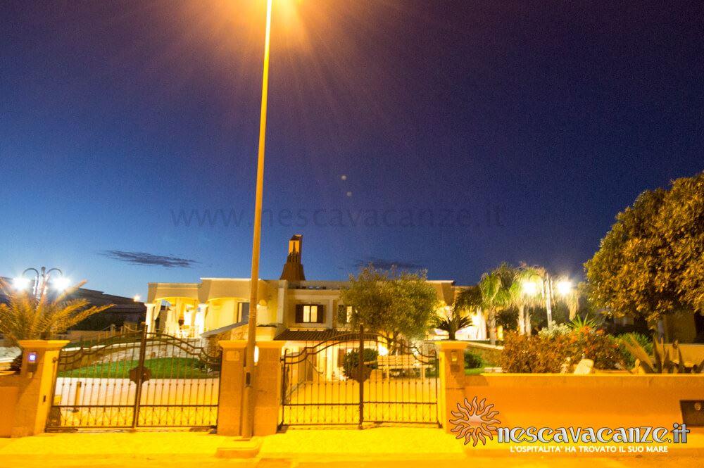 Palazzina di notte casa Pescoluse 9
