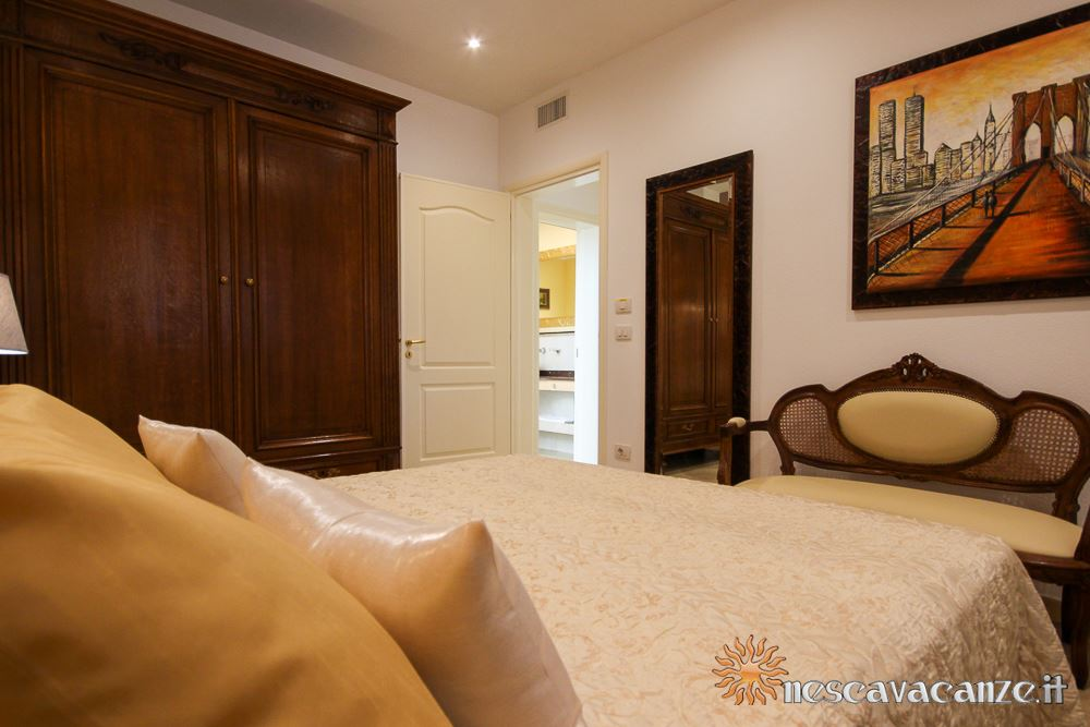 Prima camera matrimoniale casa Pescoluse 9