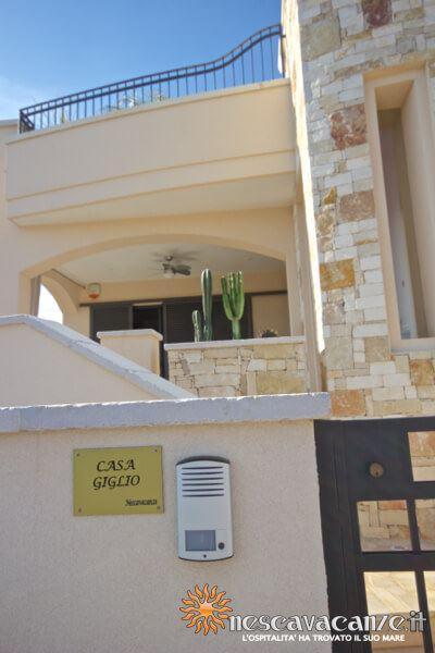 5: Casa Giglio Pescoluse fronte ingresso veranda