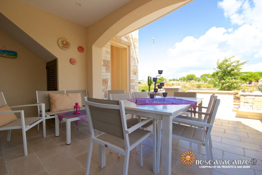 7: Casa Giglio Pescoluse veranda 2