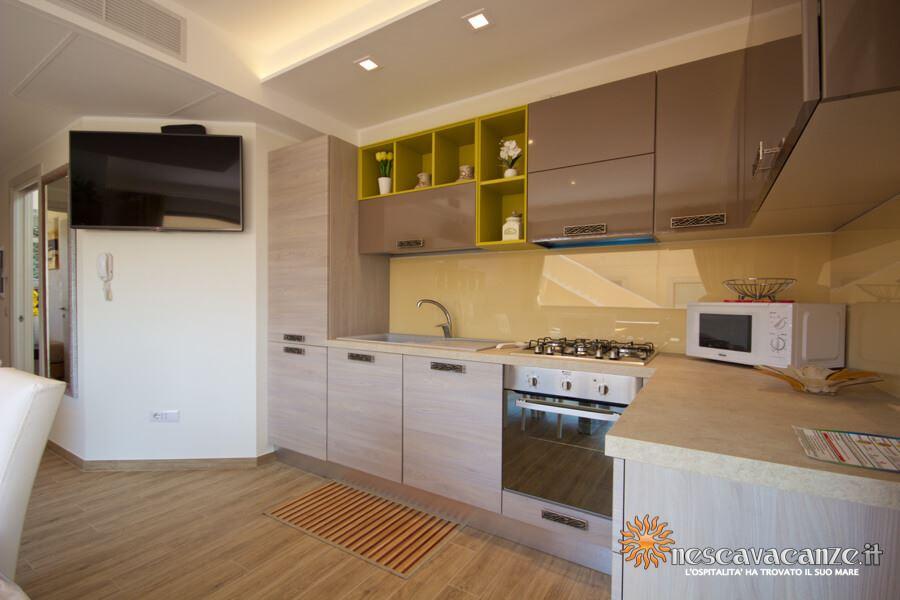 35: Casa Giglio Pescoluse cucina 3