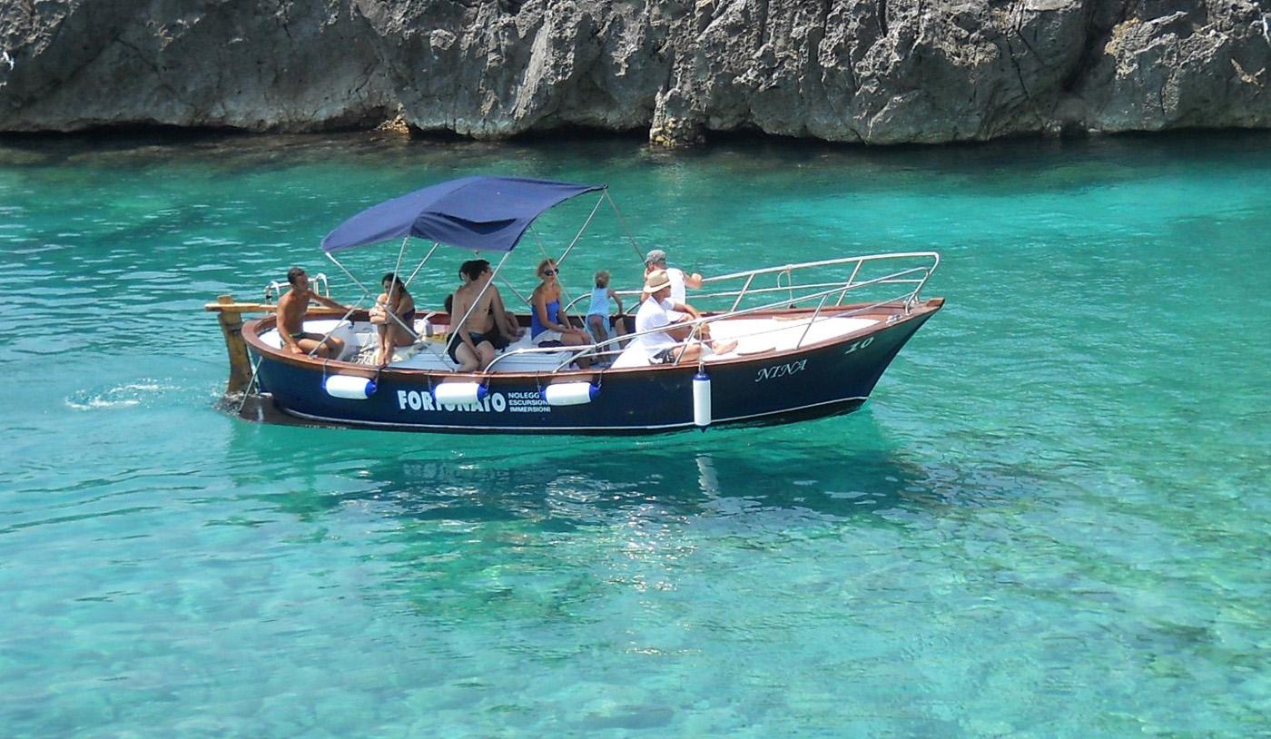 Escursioni in barca alle grotte di Santa Maria di Leuca